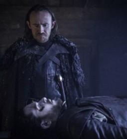 Gra-o-tron-Jon-Snow-nie-zyje