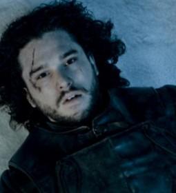 Gra-o-tron-Jon-Snow-zyje