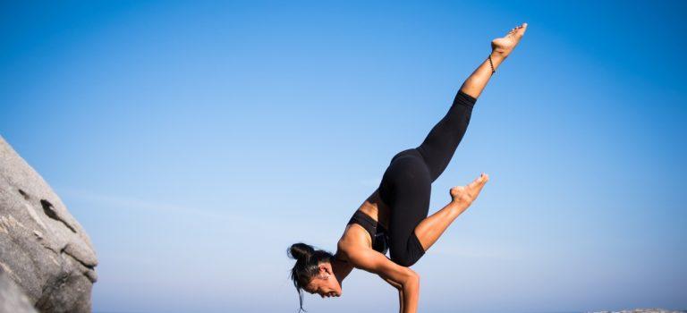 Aktywność ruchowa, dieta, zdrowe jedzenie – proces odchudzania i budowania wymarzonej sylwetki.